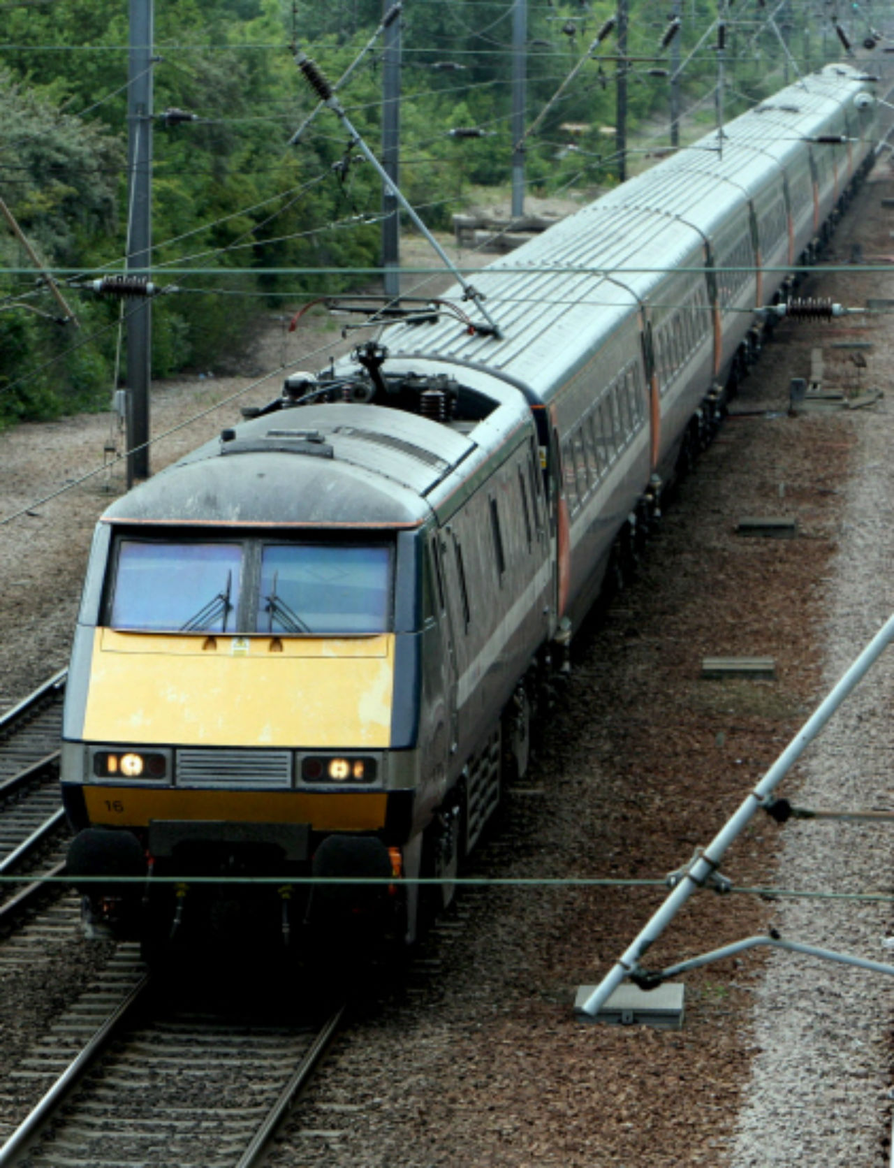 Train services between London and Gloucester face major delays