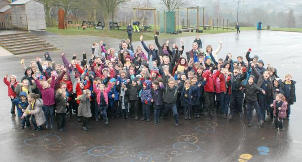 Staff and pupils at Callowell Primary School celebrate their fantastic Ofsted report (3531519)
