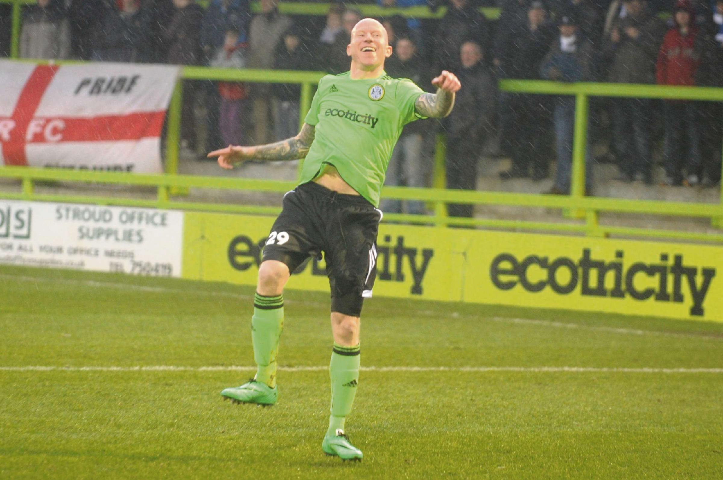 Lee Hughes scored Forest Green's equaliser at Aldershot (4116147)