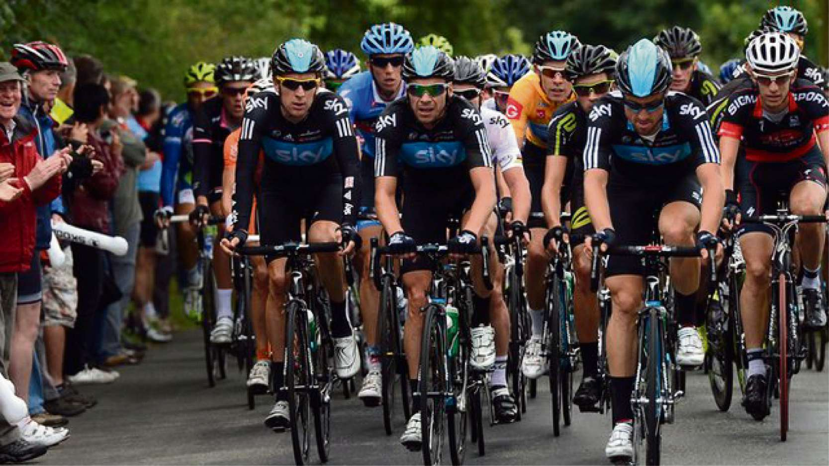 Top cyclists come to Stroud for Tour of Britain