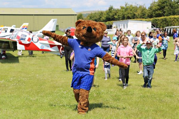 Bereaved families supported by Winston's Wish take to the skies with fly2help