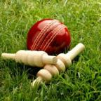 Stroud News and Journal: CRICKET: Gloucestershire lag behind