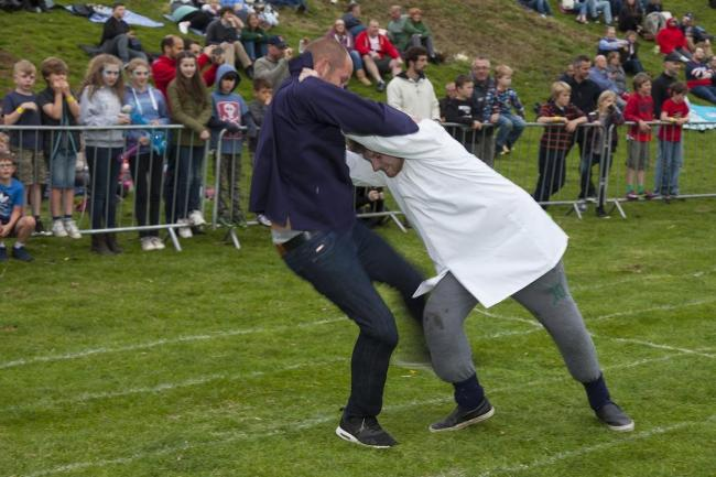 Shin kicking at the 2016 Cotswold Olimpick Games. Photo: Chris Roberts/ Wider View Photo PR