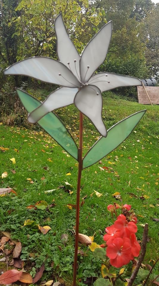 *Summer School* - Stained Glass Garden Flower (Copperfoiling) with Caroline Lambert