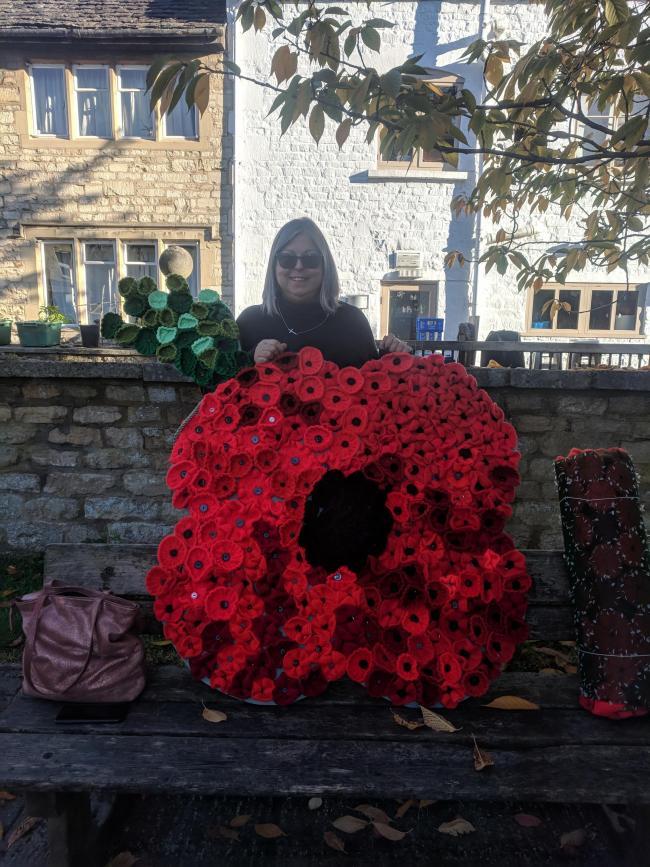 10,000 woollen poppies go on display in Nailsworth | Stroud